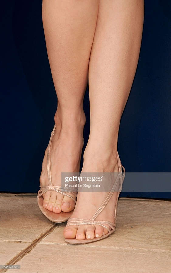Pell James Feet
