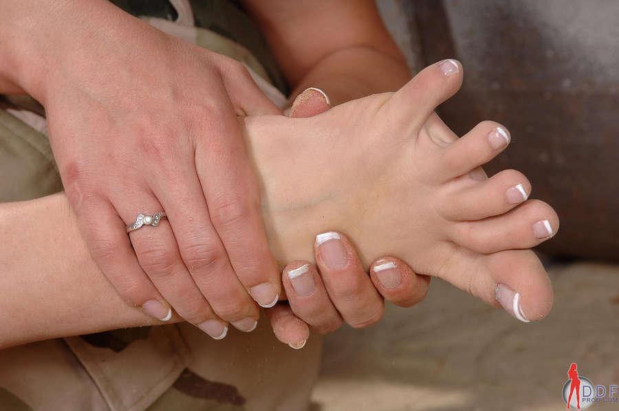 Rebecca Contrares Feet