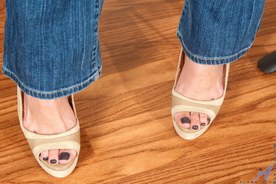 Alana Luv Feet