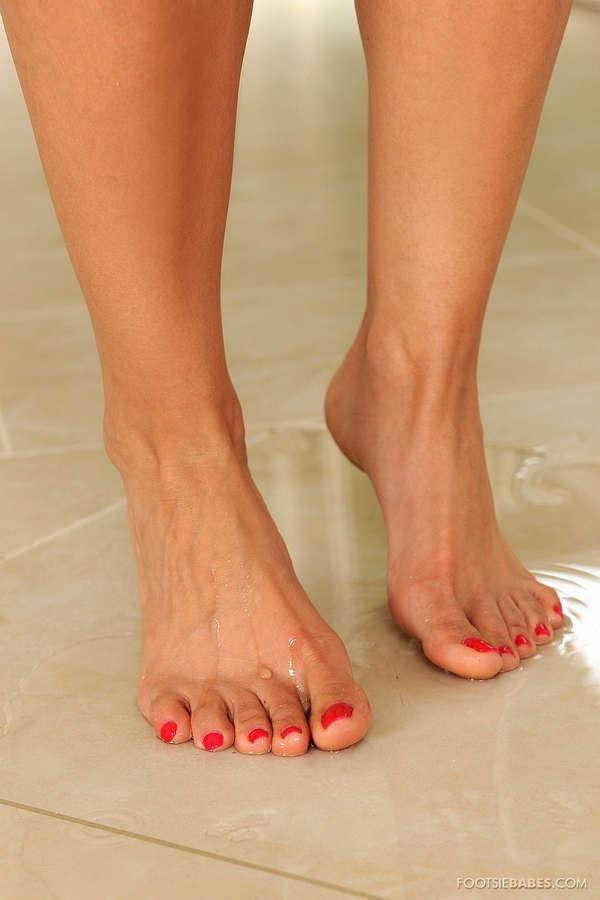 Alexa Nicole Feet