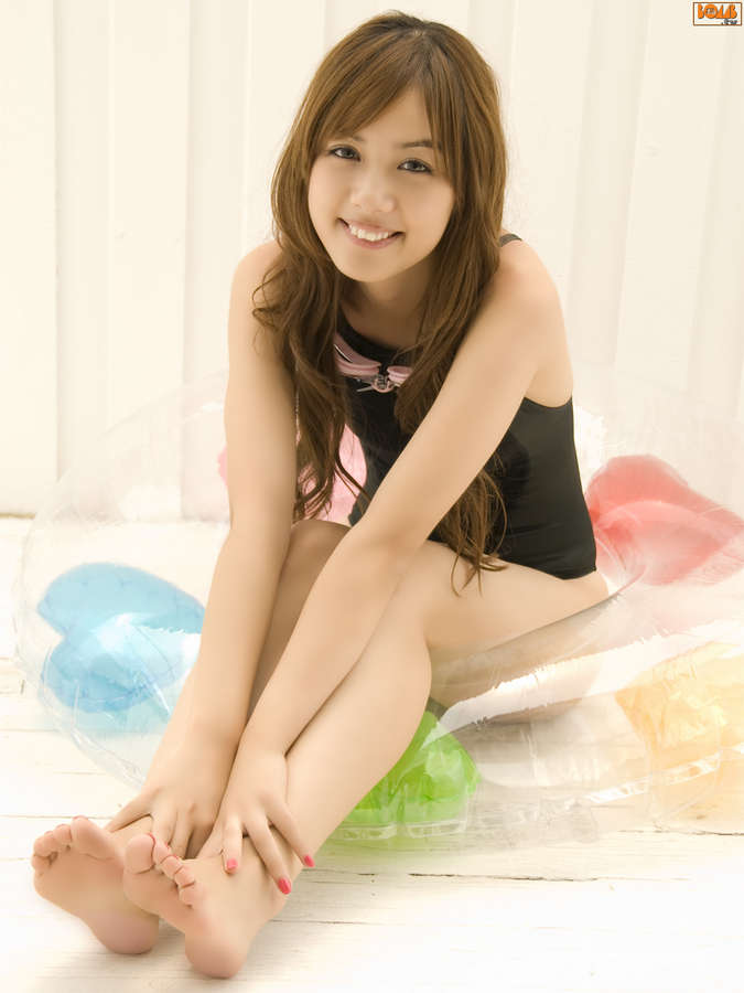 Rola Chen Feet