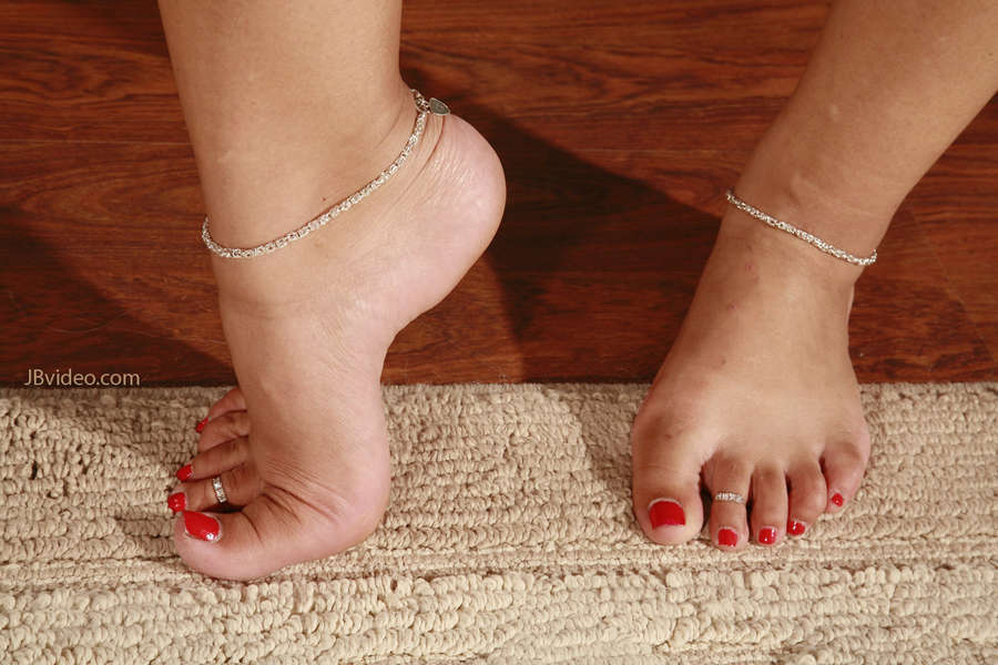 Elena Heiress Feet