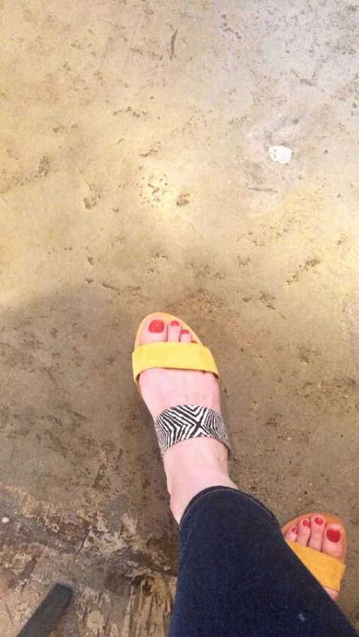 Alexi Wasser Feet
