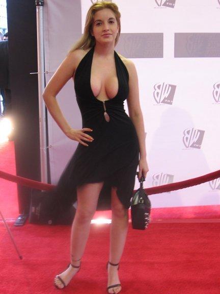 Yvonne Vera Feet