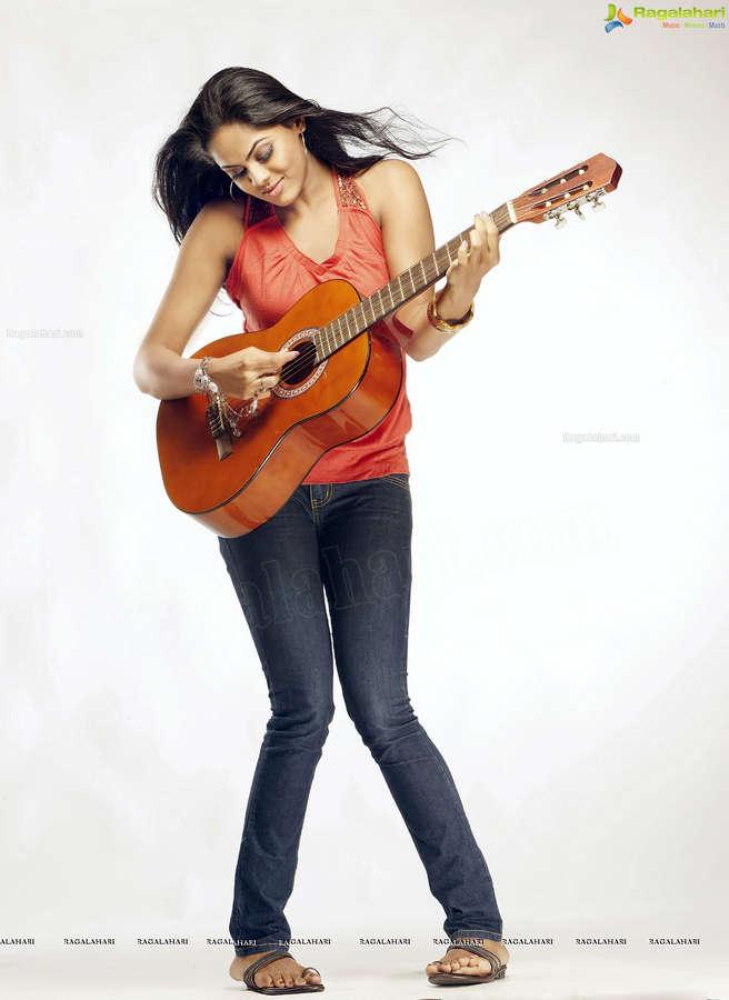 Karthika Nair Feet