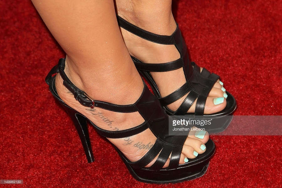 Anabelle Acosta Feet