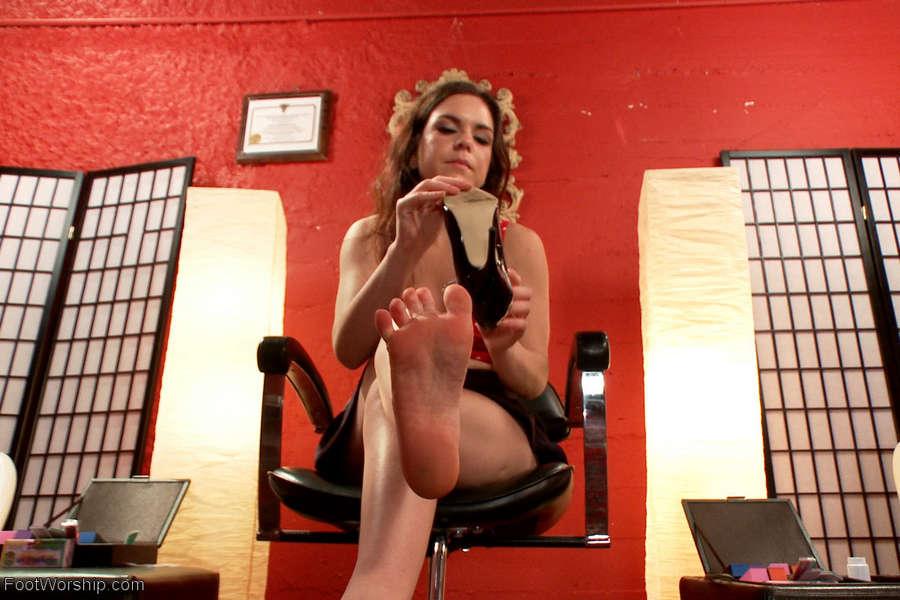 Juliette March Feet