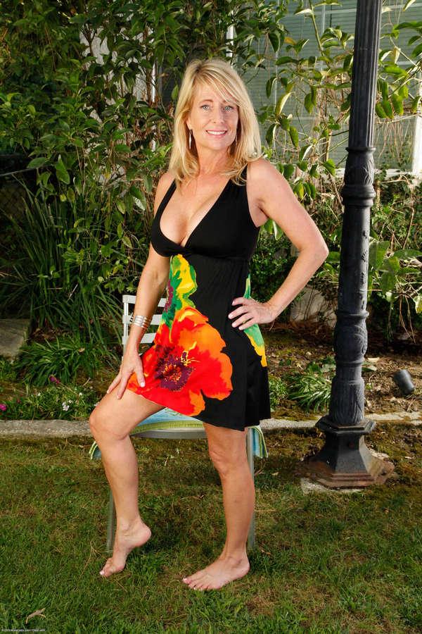 Macy Maddison Feet 8 Photos - Celebrity-Feetcom-7668
