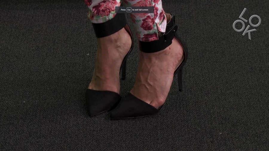 Valentine Bureau Feet