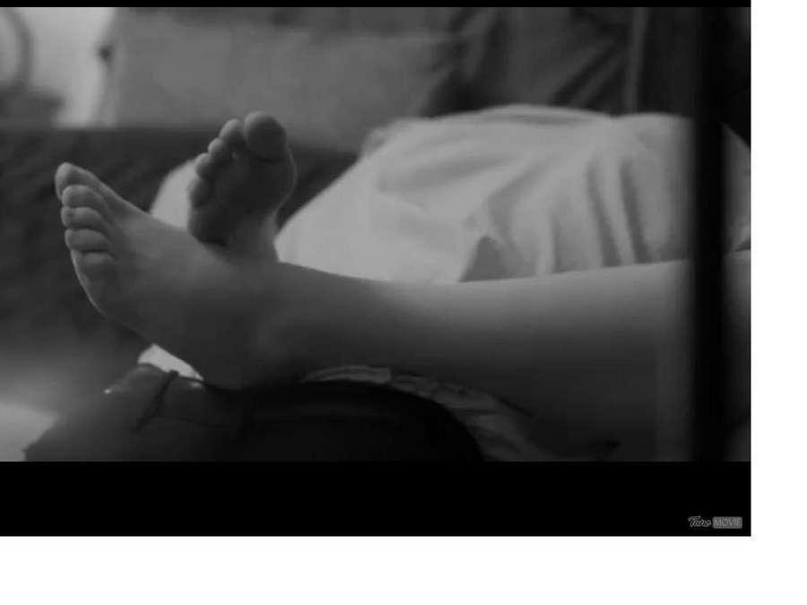 Riki Lindhome Feet