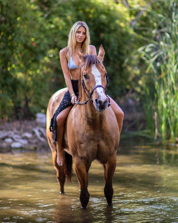 naked-women-riding-guys-ass-bis-sexy-and-string