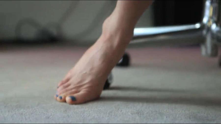 Gillian Zinser Feet