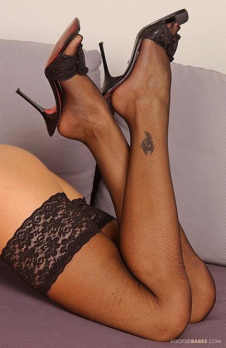 Nikki Rider Feet