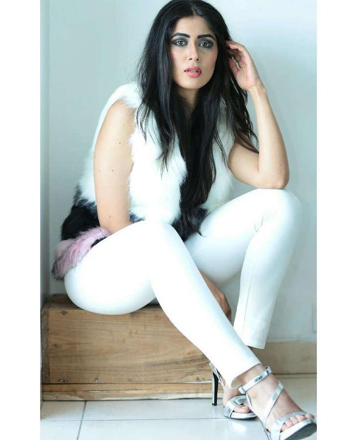 Nikita Sharma Feet