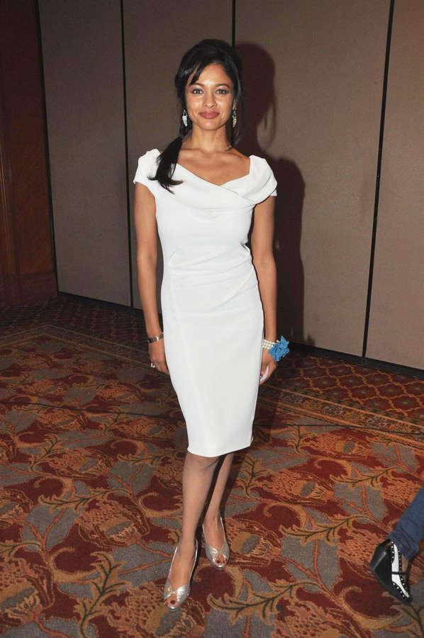 Pooja Kumar Feet