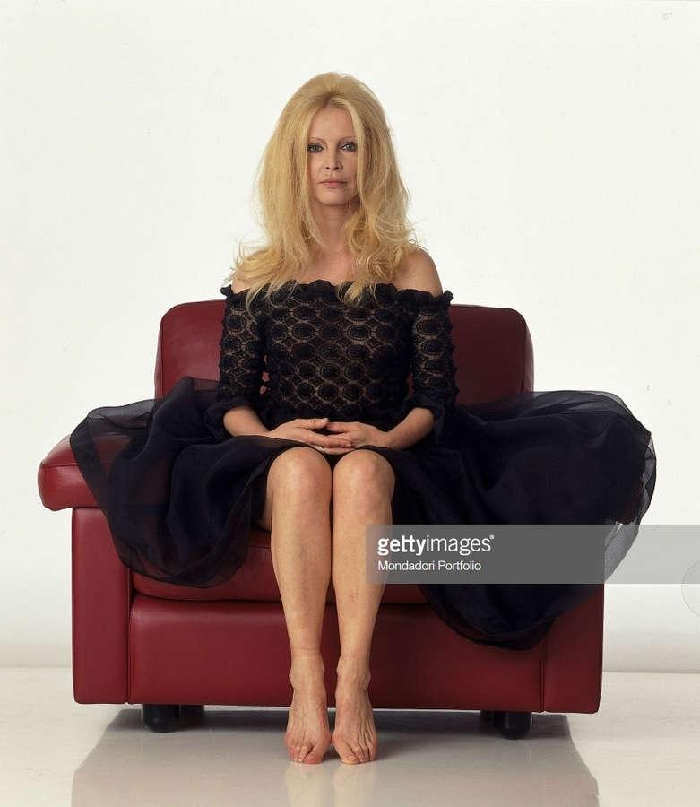 Patty Pravo Feet
