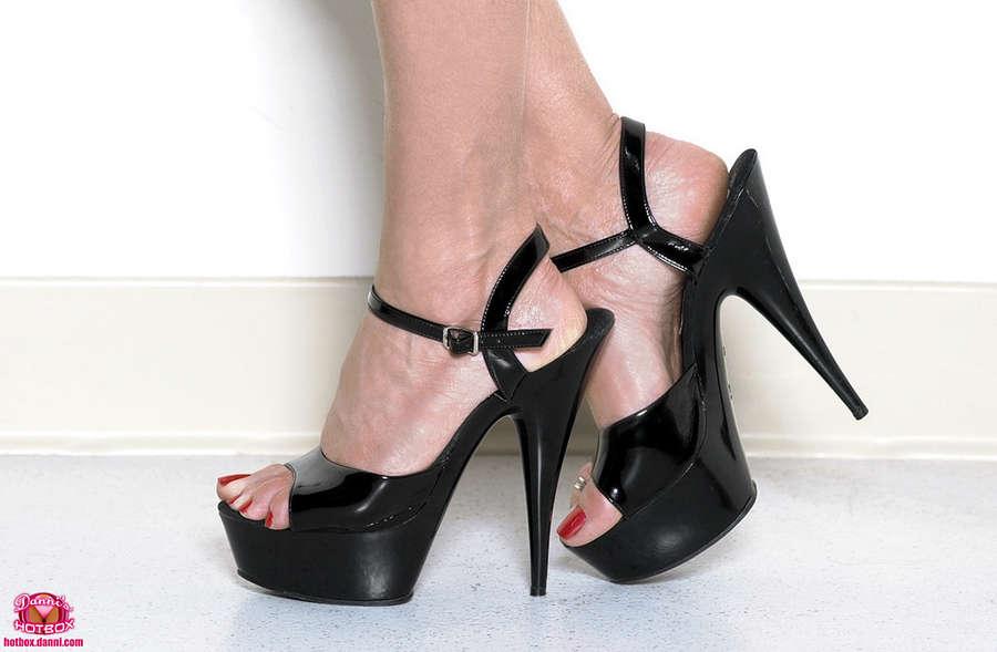 Ashley Renee Feet