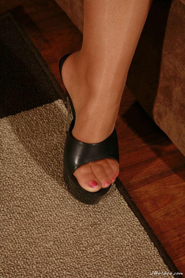 Jessica Lynn Feet (8 images) - celebrity-feet.com