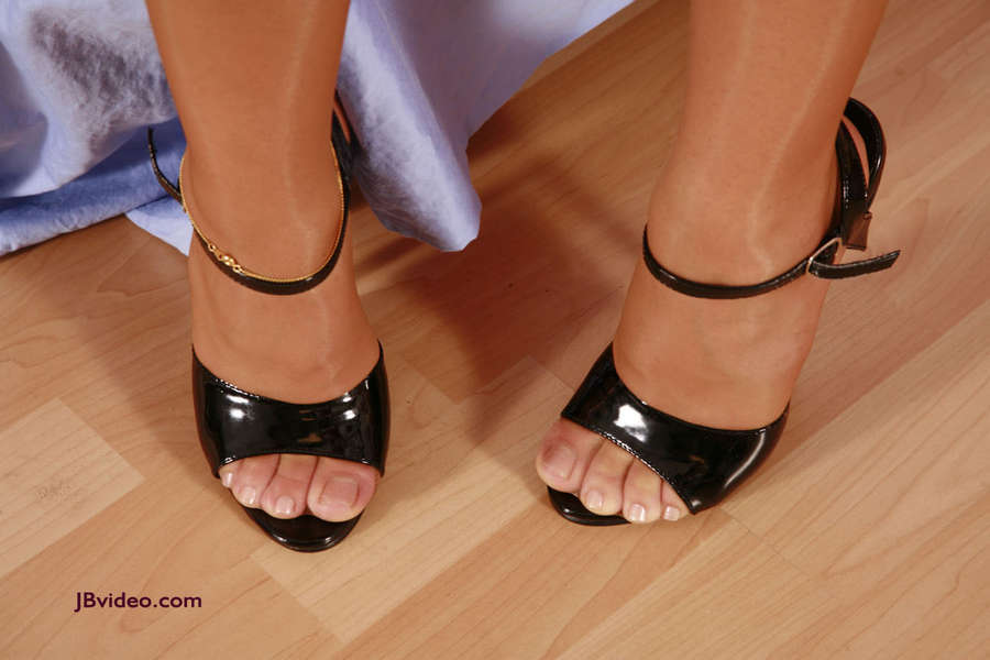 Sienna West Feet