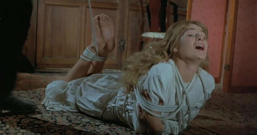 Stephanie Beacham Feet