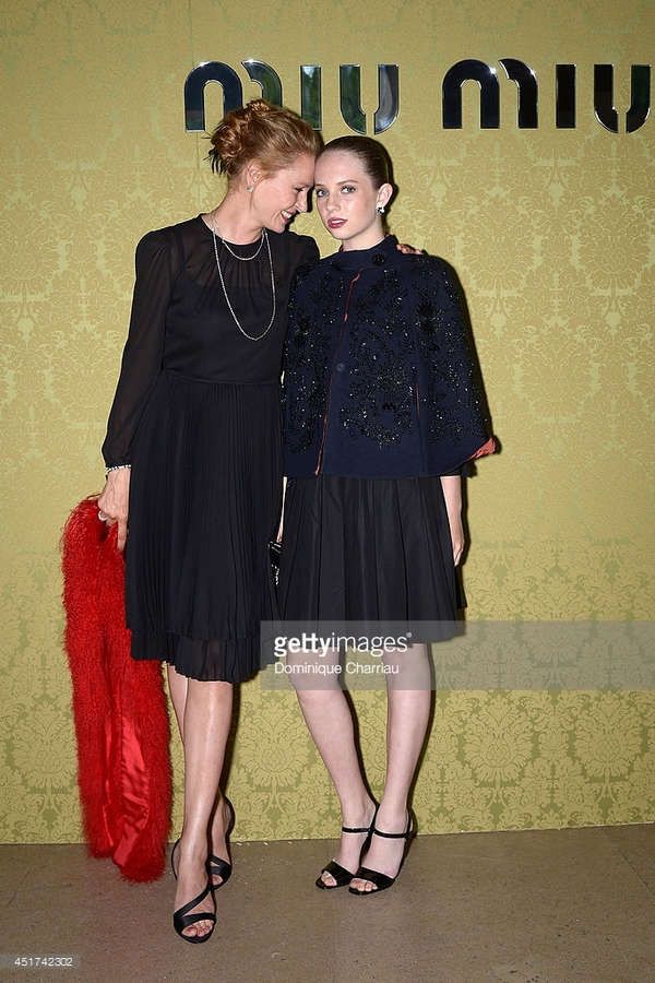 Maya Thurman Hawke Feet
