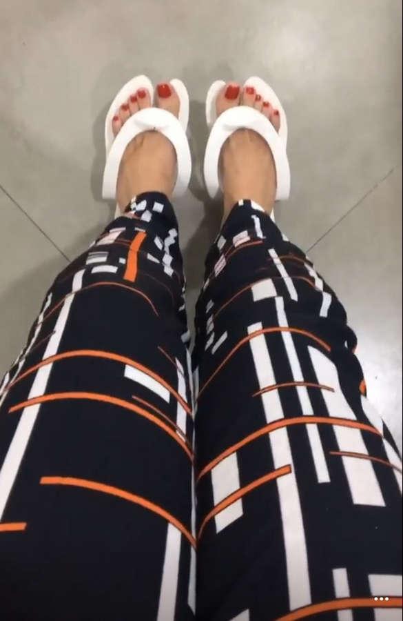 Carla Diaz Feet
