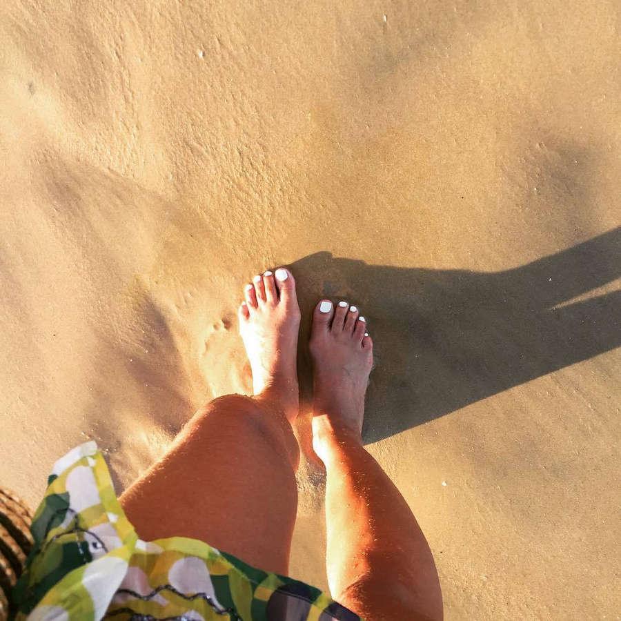 Roberta Whitney Feet