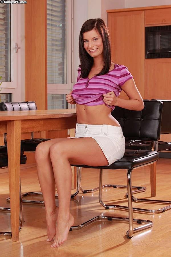 Kamila Moravcova Feet