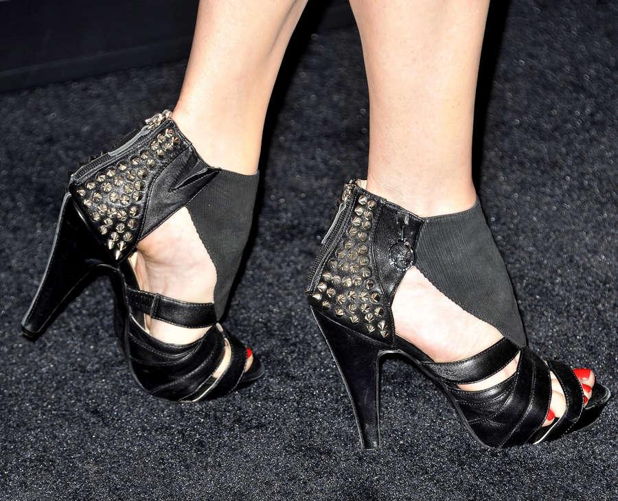 Melinda Clarke Feet