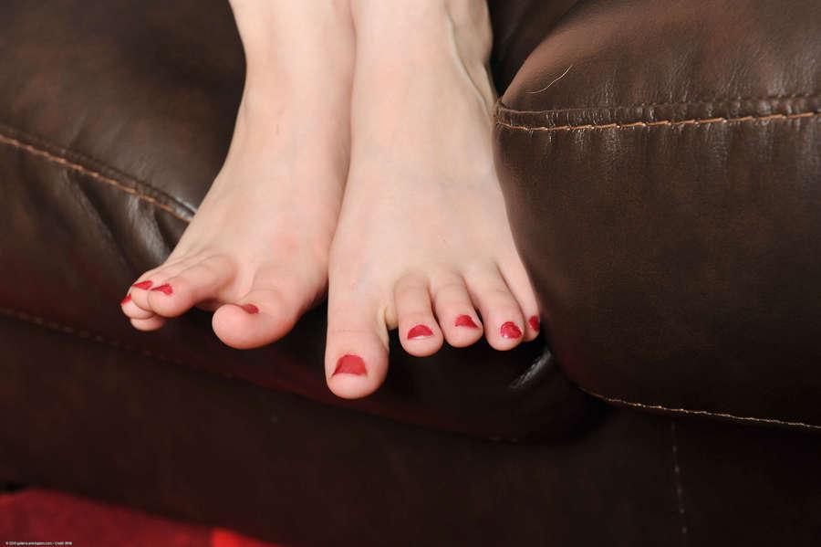 Adelyn Ames Feet