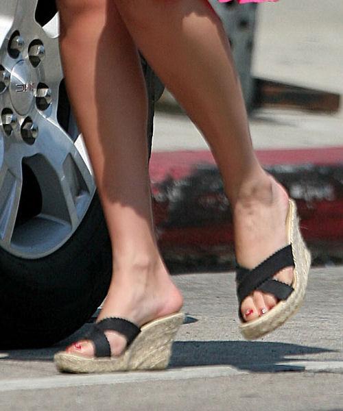 Elizabeth Berkley Feet