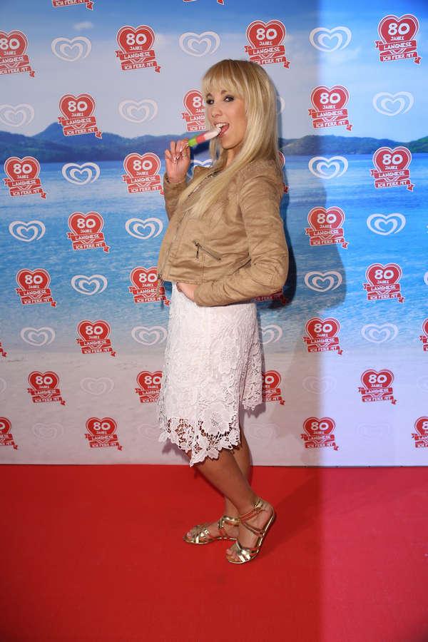 Annemarie Eilfeld Feet