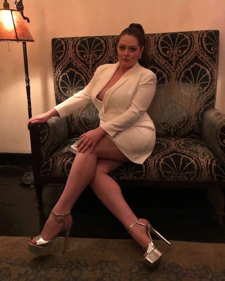 Lauren Ash Feet