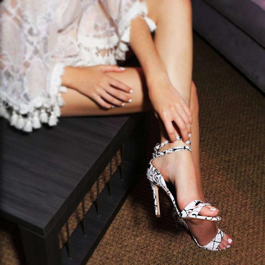 Yizette Cifredo Feet