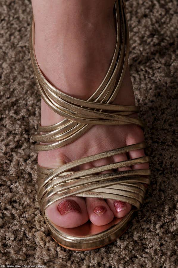 Savannah Fyre Feet