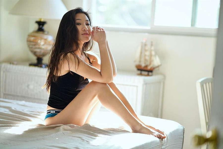 Jeannie Elise Mai Feet