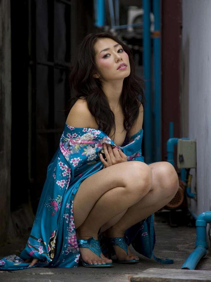 Momoko Tani Feet