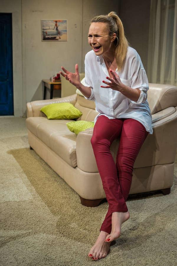 Anna Guzik Feet