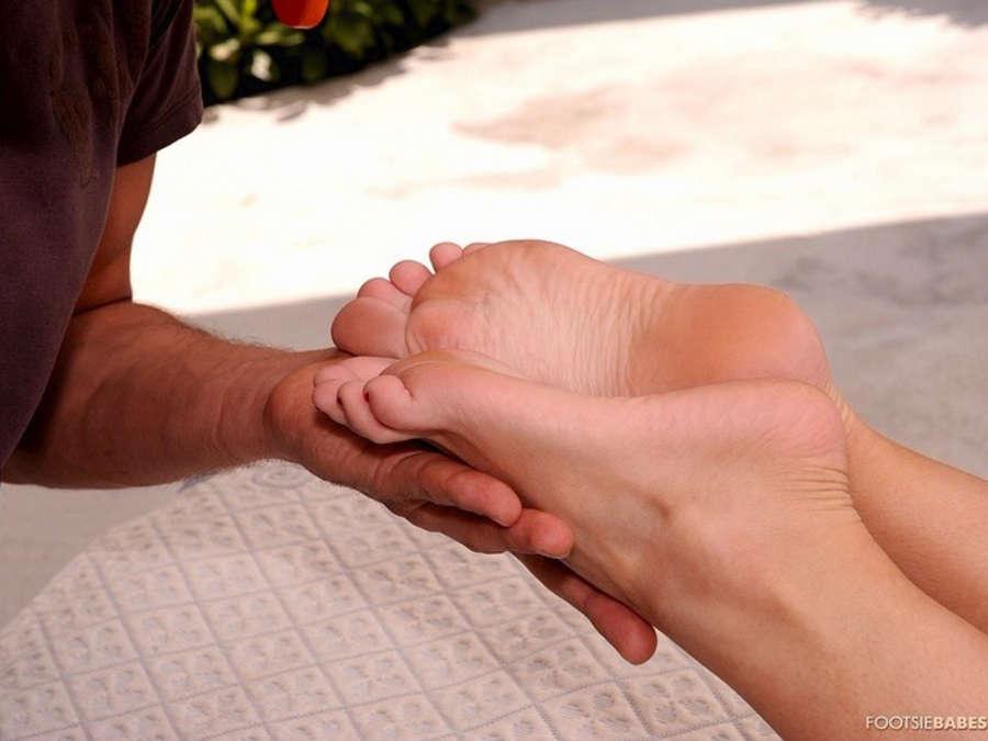 Bea Stiel Feet
