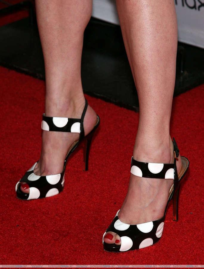 Robin Tunney Feet