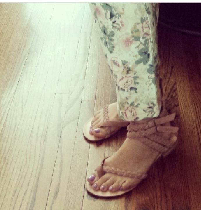 Mar Yvette Feet