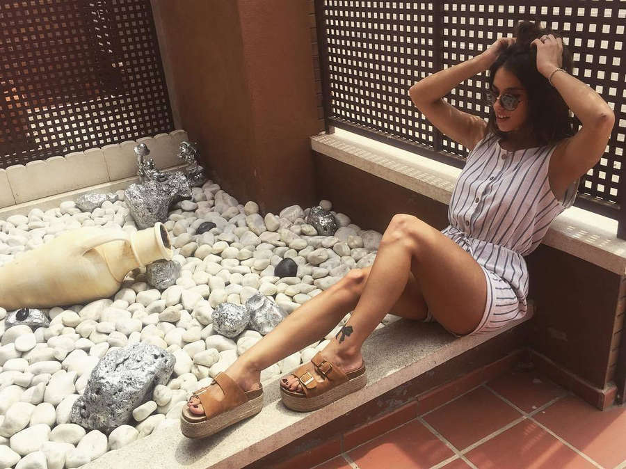 Jennifer Lara Feet