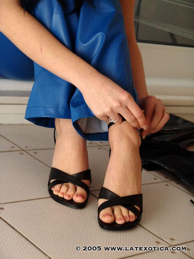 Lilly Roma Feet