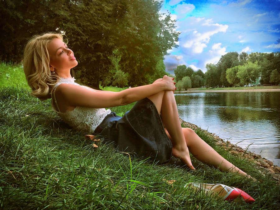 Alina Grossu Feet