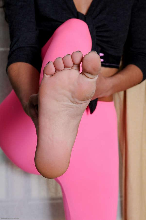 Lou Charmelle Feet
