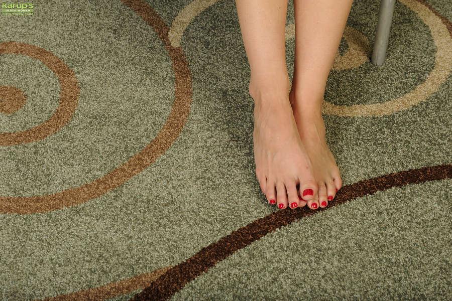 Zoey Tyler Feet