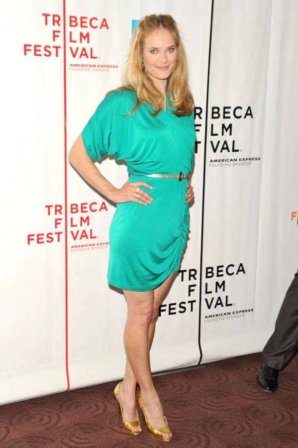 Rachel Blanchard Feet