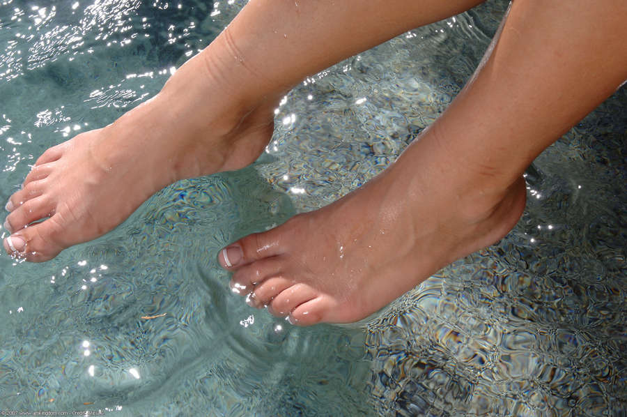 Andie Valentino Feet