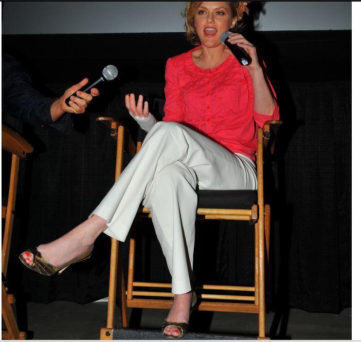 Elaine Hendrix Feet