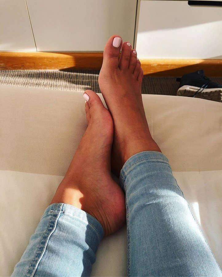 Andi Toth Feet